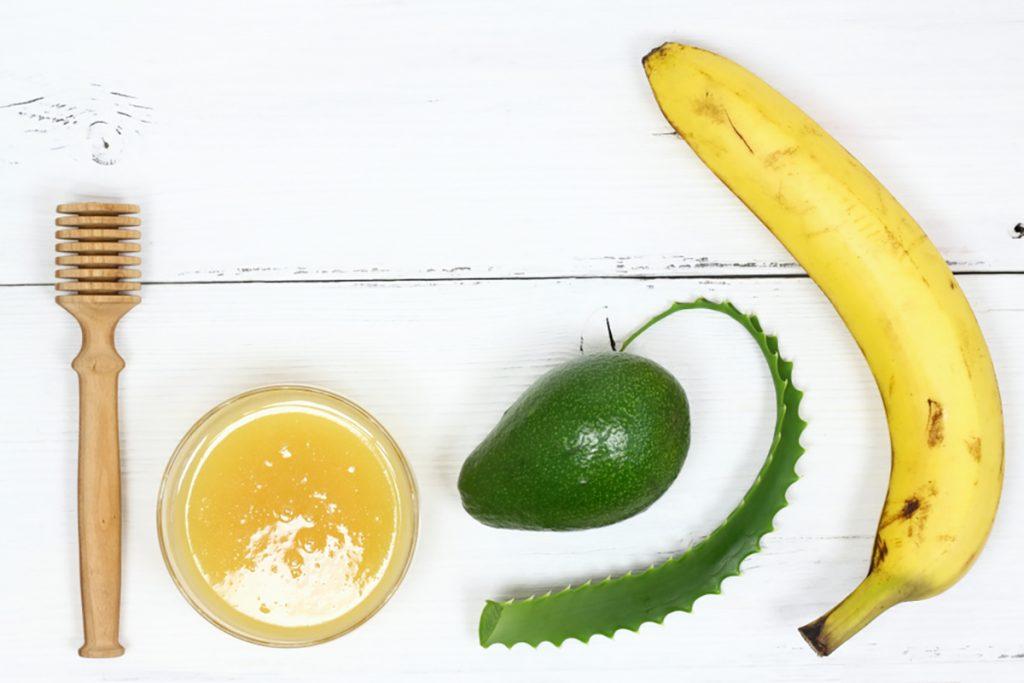 DIY Moisturizing Homemade Face Mask Recipes For Dry Skin   Banana & Avocado