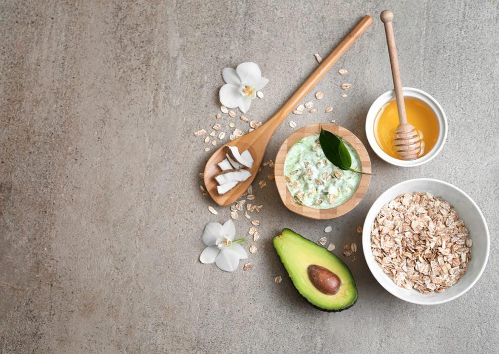 DIY Moisturizing Homemade Face Mask Recipes For Dry Skin   Oatmeal Avocado