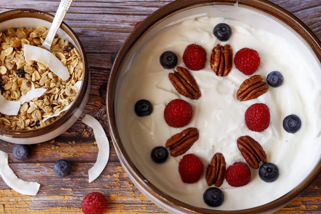 9 Foods To Help You Get A Good Night Sleep | Berries With Yogurt