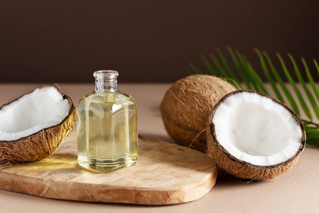 Best Rejuvenating Anti-Aging Oils For Women : COCONUT OIL