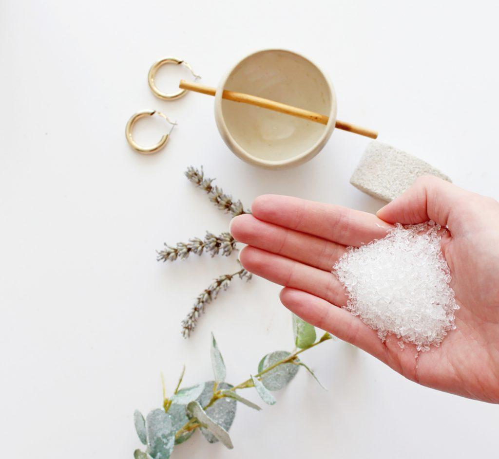 DIY Moisturizing Homemade Face Mask Recipes For Dry Skin   Honey & Epsom Salt