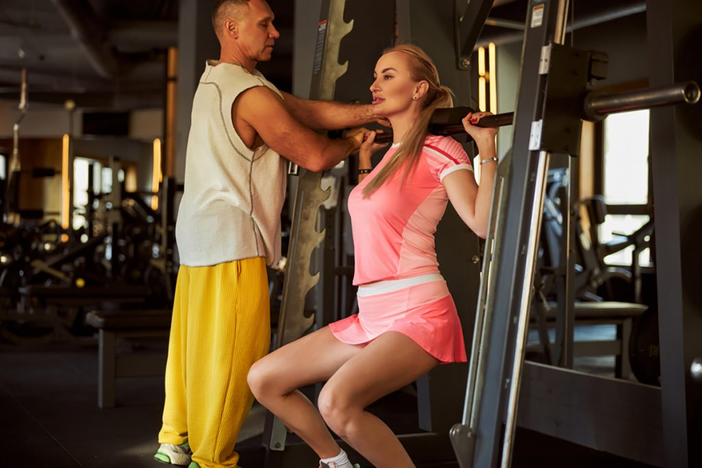 Written And Unwritten Rules Of GYMs For Beginners Unwritten Rule # 14 Helping