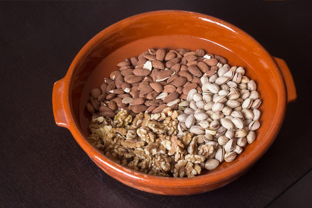 Best Rejuvenating Anti-Aging Foods For Women : NUTS