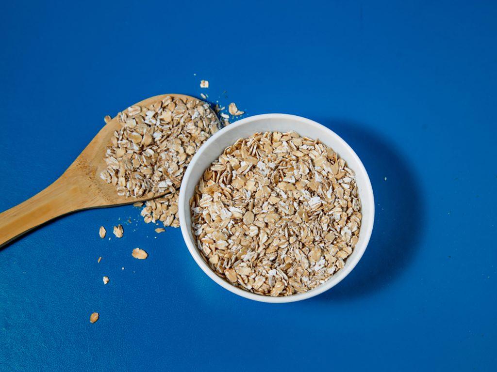 Best Rejuvenating Anti-Aging Foods For Women : OATMEAL