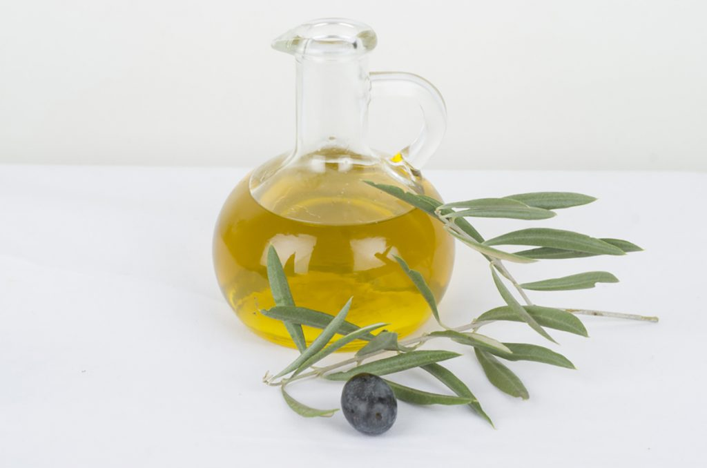 Best Rejuvenating Anti-Aging Oils For Women : OLIVE OIL