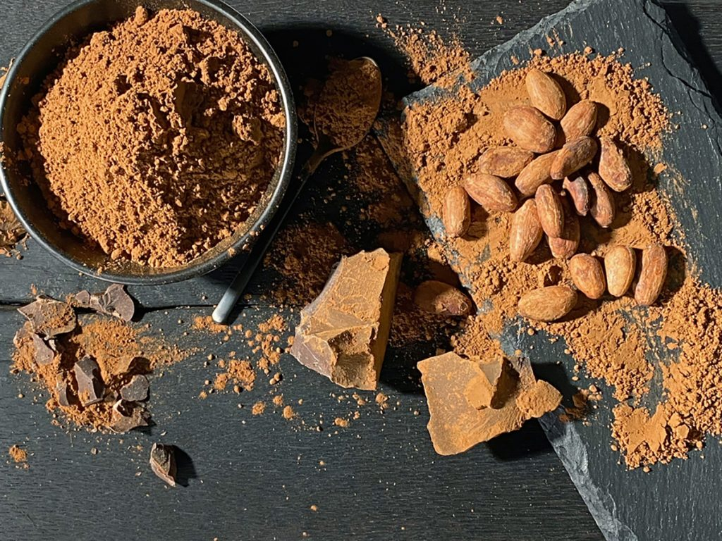 Best Rejuvenating Anti-Aging Herbs, Spices, And Flavorings For Women : RAW CACAO