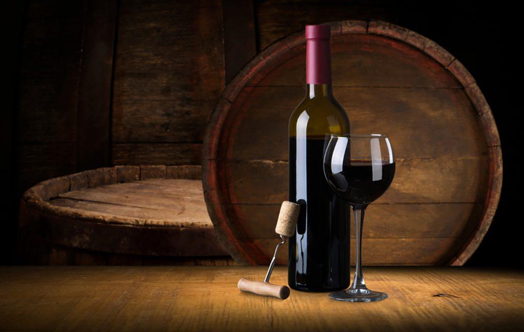 Best Rejuvenating Anti-Aging Beverages For Women : RED WINE