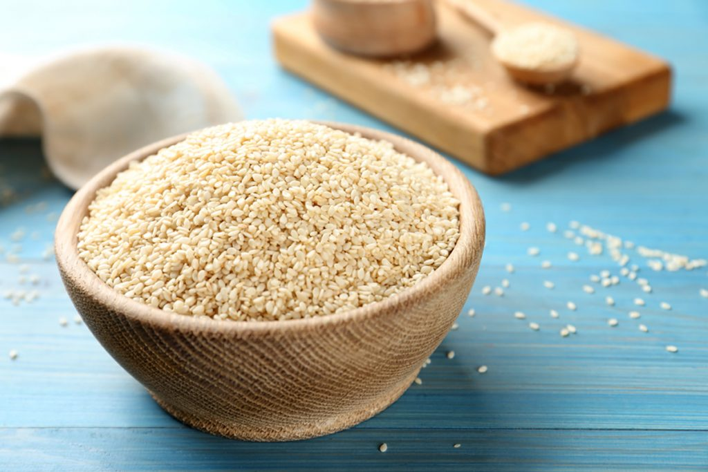 Best Rejuvenating Anti-Aging Herbs, Spices, And Flavorings For Women : SESAME SEEDS